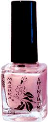 Далее проводят «запечатывание ногтя» полирующей пудрой