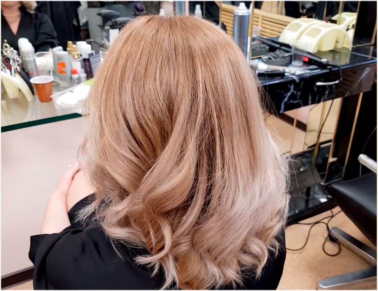 Окрашивание Wella Illumina яркий блонд сандрэ