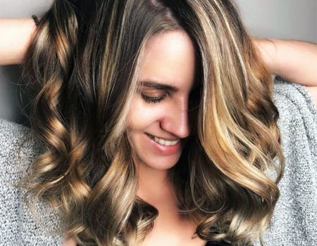Бликующее мелирование волос