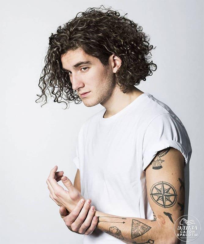 Мужская завивка волос