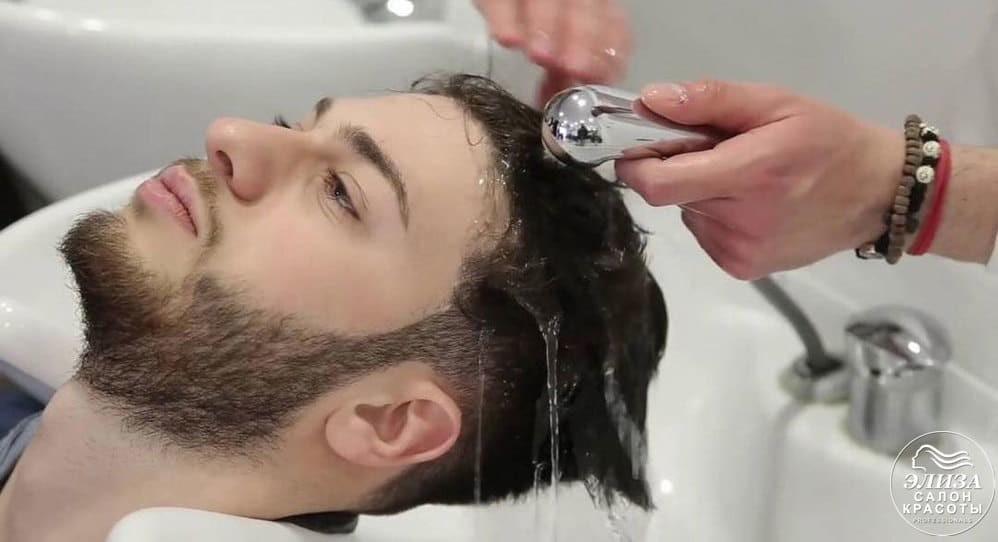 Мытье волос мужчине