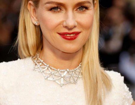 Блондинка медовый цвет