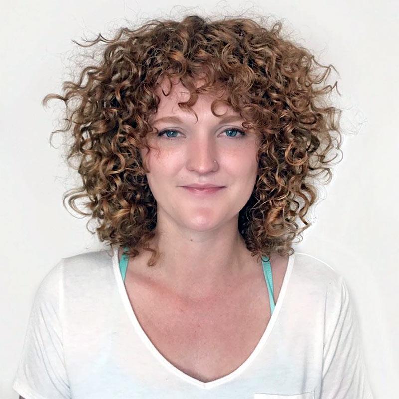 Прически на кудрявые тонкие пушистые волосы