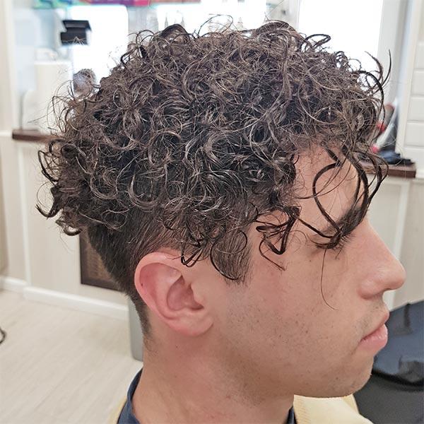 Мужская завивка коротких волос