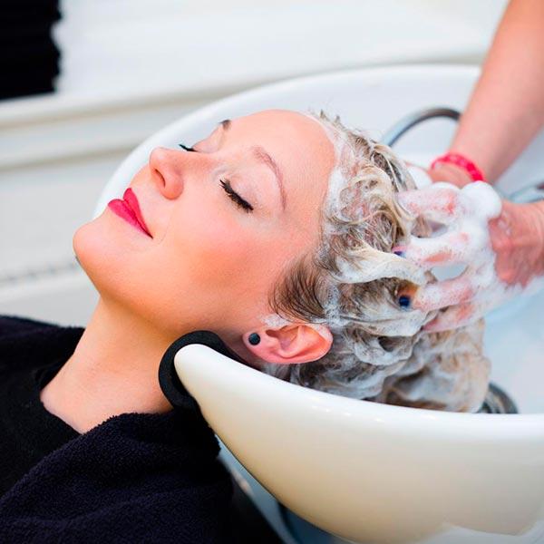 Мытье и массаж головы