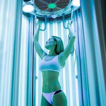 При посещении солярия для искусственного загара используйте специализированную косметику.