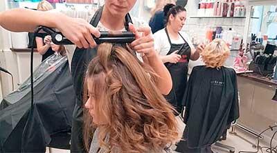Укладка волос в салоне красоты