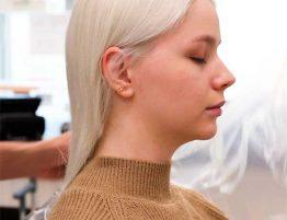Блондирование волос цена в Москве