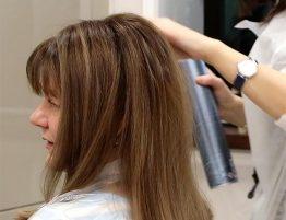 Окрашенные волосы в салоне красоты