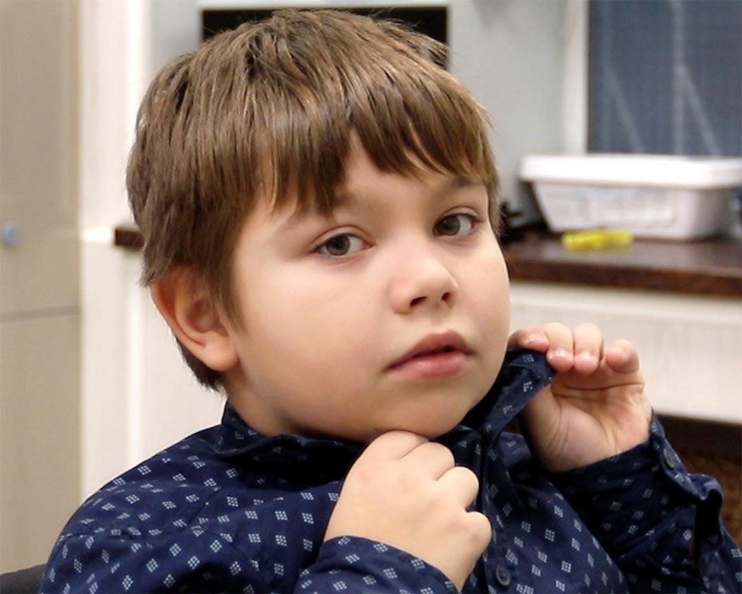 Мальчик до стрижки
